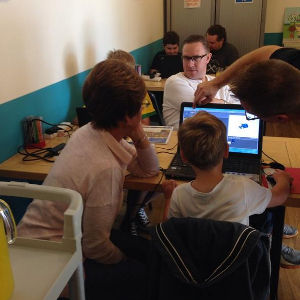 Photograph of Ninjas learning scratch at Stockport Dojo
